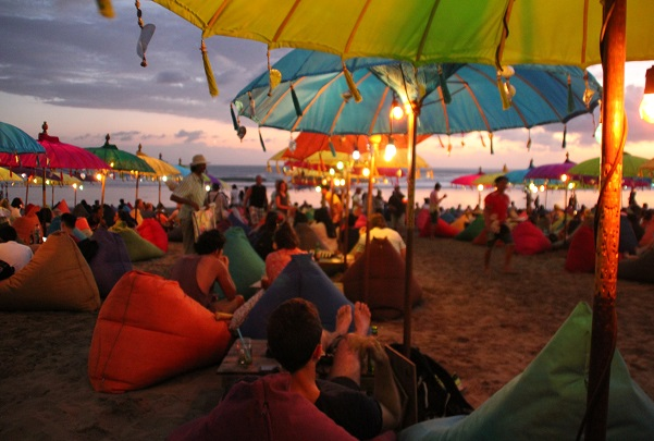 Volunteering in Bali colours
