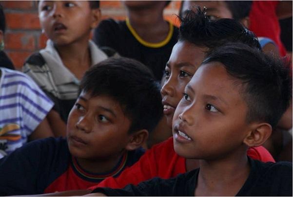 Volunteering in Bali children