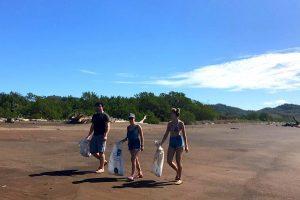 Strand säubern Costa Rica